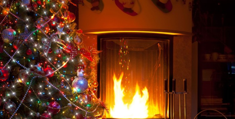 Christmas-Tree--Fireplace.jpg