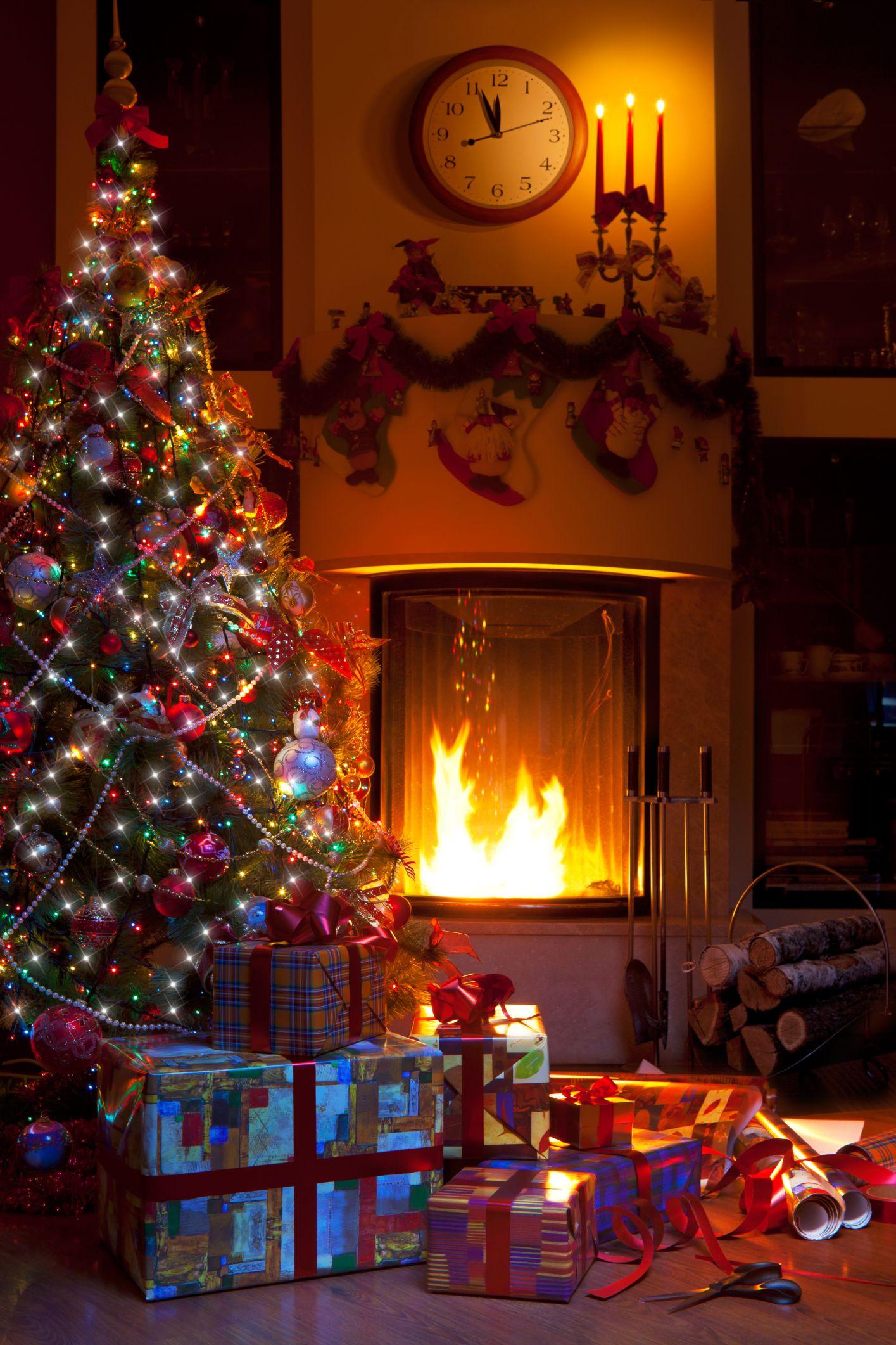 Christmas-Tree--Fireplace.jpg